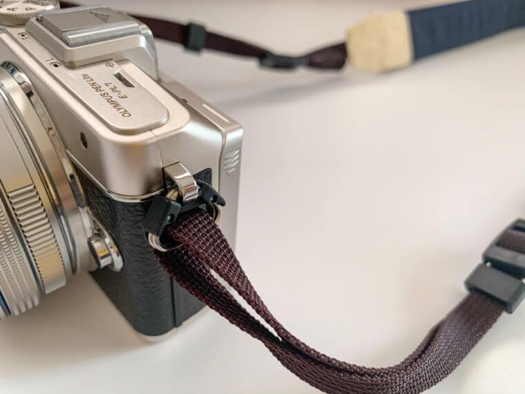 カメラストラップNUTSのカメラ取り付け部分