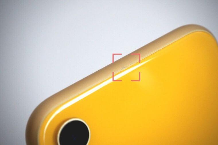 iPhone XRの傷の拡大写真